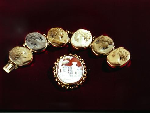 Reputable Antique Jewelry Buyer – Boston Estate Buyers